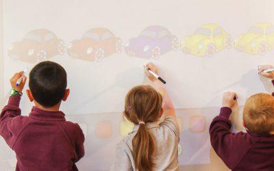 Näin älypinnat tekevät luokkahuoneesta tehokkaamman ja turvallisemman