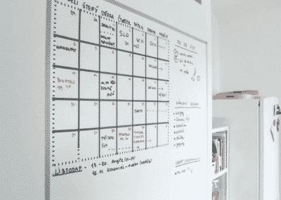 Tussitaulumaali kalenteri