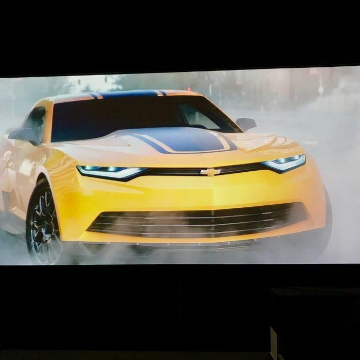Bilfilm på en skärm gjord av skärmfärg