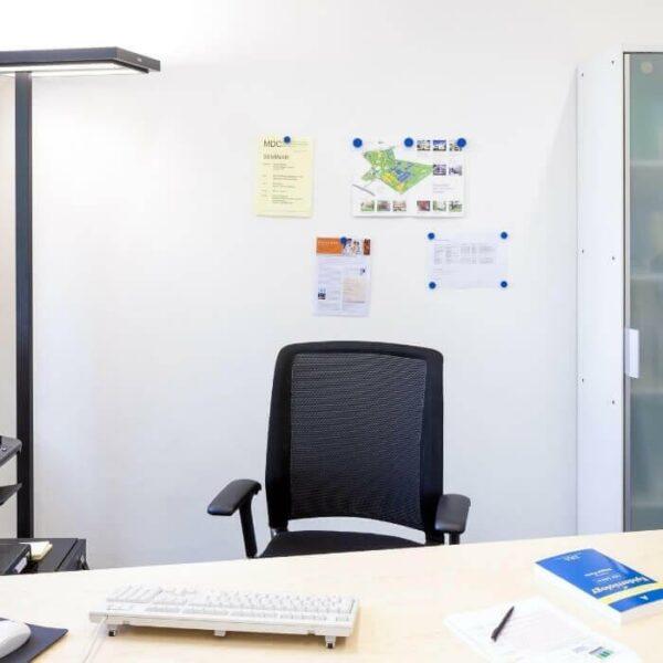 Magneettista tasoitetta toimistotiloissa